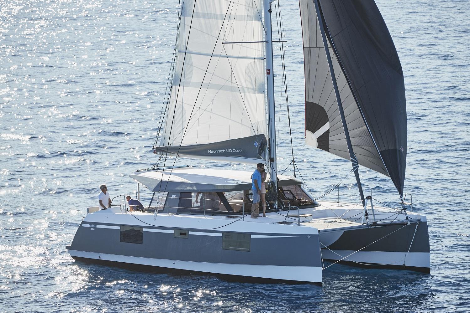 catamarans-large